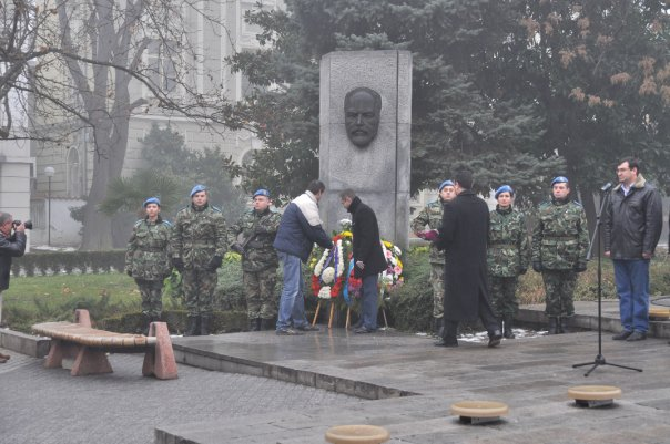 stambolov-2010-12